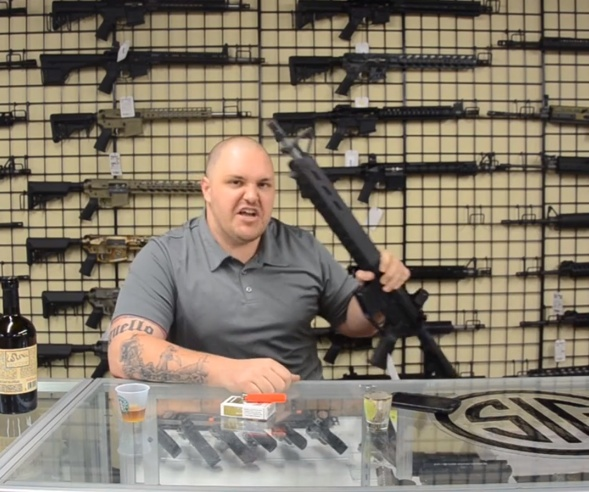 Andy Raymond erhielt Todesdrohungen nachdem er ankündigte Armatix intelligent Waffe zu verkaufen