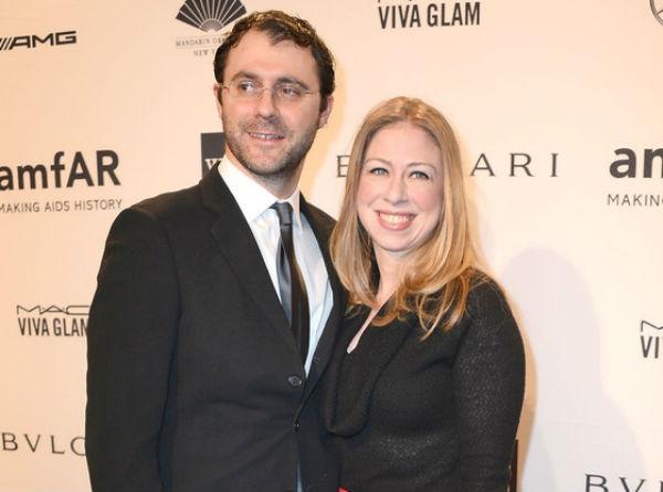 Chelsea Clinton, fille de l'ex-Président des Etats-Unis Bill Clinton et son époux Marc Mezvinsky, lui aussi fils d'élus politiques américains.