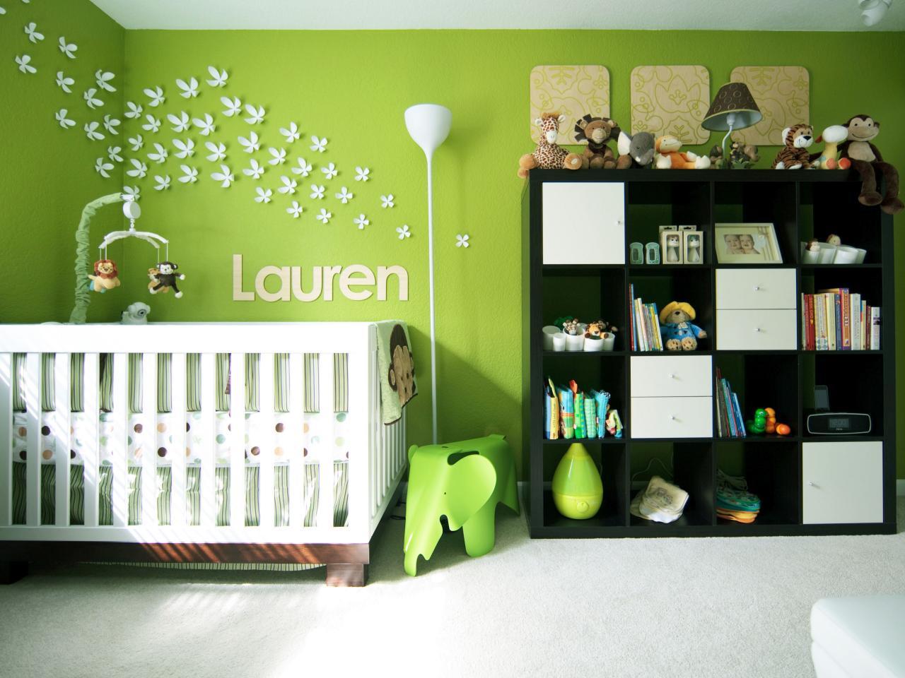 chambre verte bebe papillons