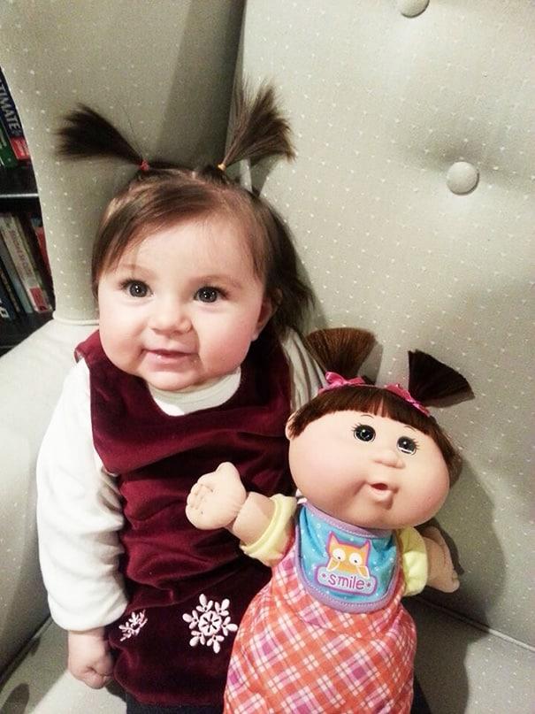 bebe qui ressemblent a leur poupee 9