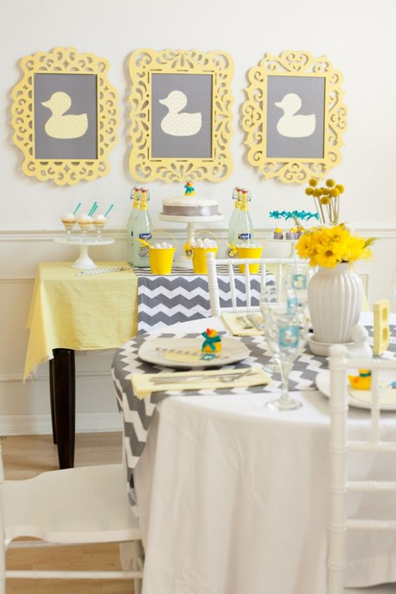 baby shower-canards-neuf mois-table