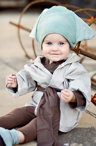 Bébé en yoda jedi