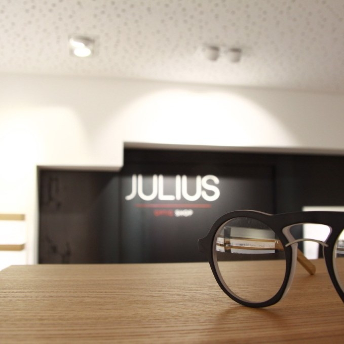 julius07