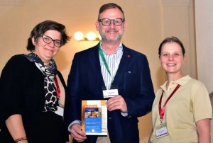 Gratulation zu erfolgreichem Symposium