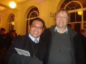 Con mi co-supervisor de doctorado el Profesor John Hardy.