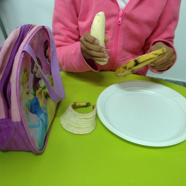 Imagen de una sesión de neurorehabilitación pediátrica para orientar la alimentación desde el enfoque de integración sensorial