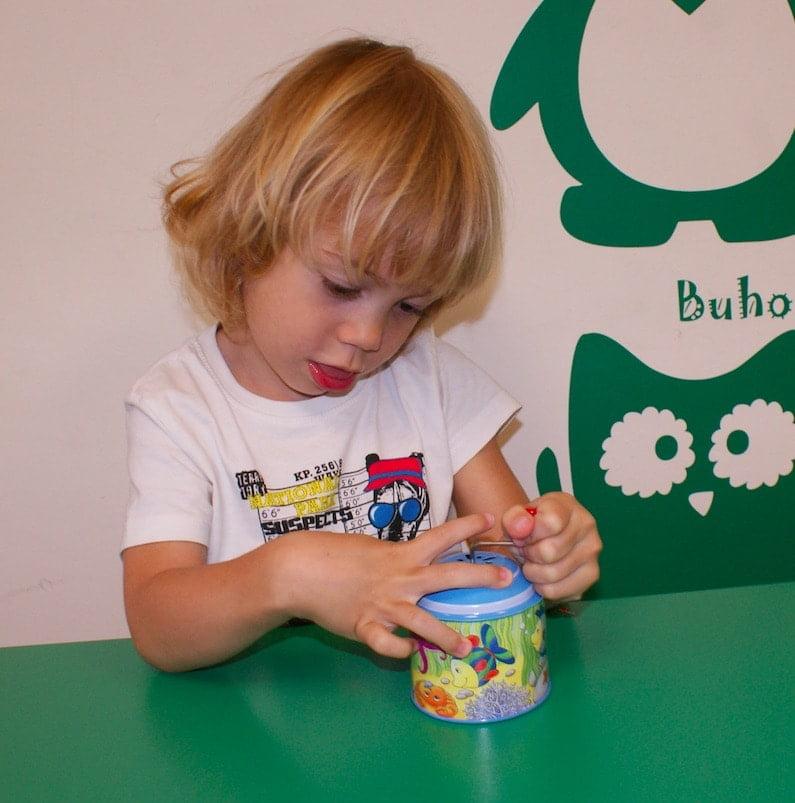 La terapia HABIT incrementa la independencia manual mediante el impulso del uso de ambas manos en cooperación