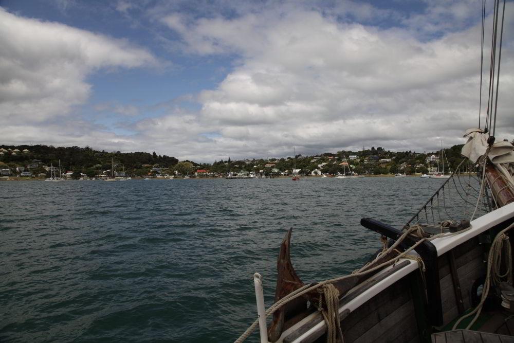 Russell vom Schiff aus gesehen