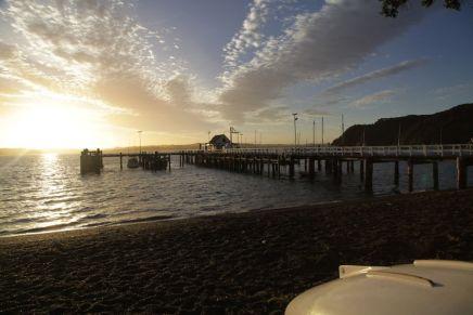 Pier von Russell im Abendlicht