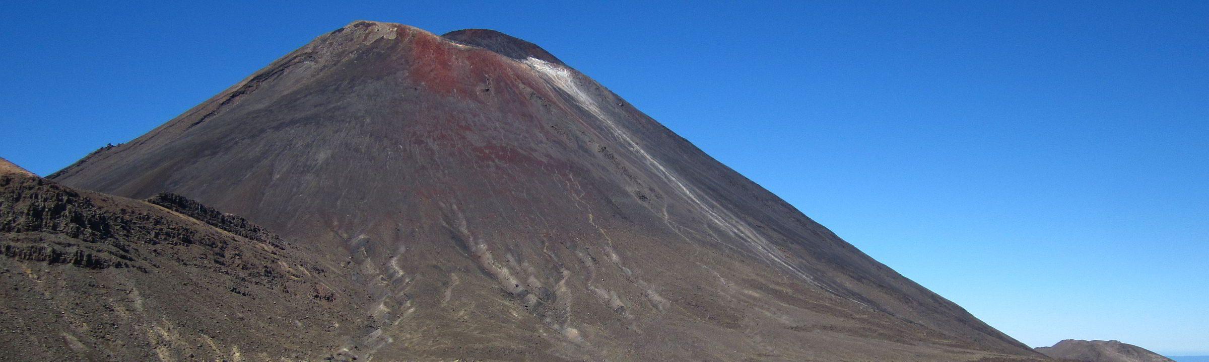 Tongariro Alpine Crossing mit Vulkanlandschaft auf Neuseeland