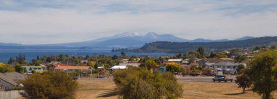 Town Taupo - Blick auf Tongariro National Park