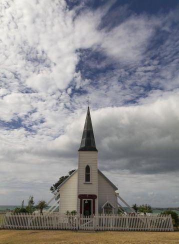 Hinter der Kirche gibt es mit ein wenig Glück Seerobben zu sehen.