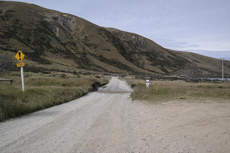 Zufahrt zum Lake Coleridge - von hier noch 20 km!