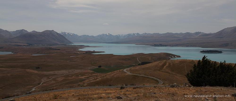 Die blauen Wasser des Lake Tekapo