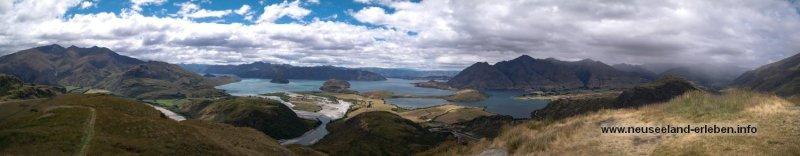 Panoramasicht vom Rocky Mountain aus - auf Lake Wanaka