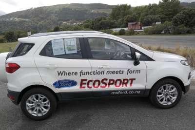 Ein Auto auf Neuseeland