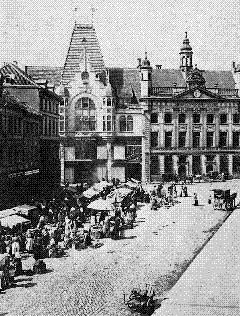 Der Marktplatz um 1900