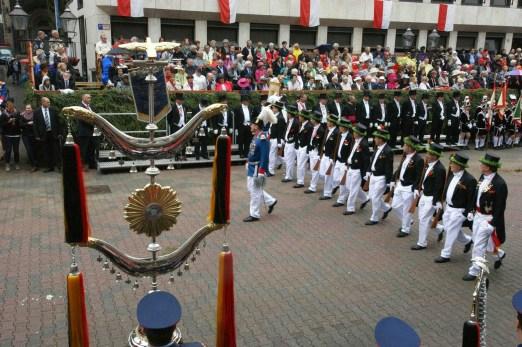 Grenadiere der Neuzeit bei der Parade