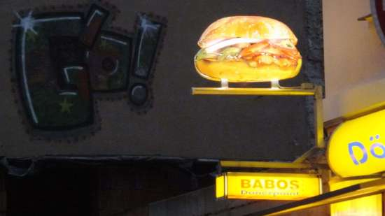 Auch bei Babos auf der Alaunstraße gibt es Döner.