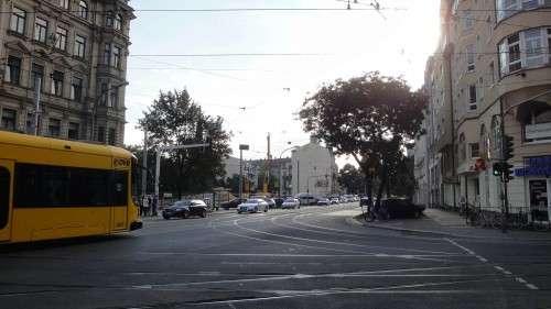 Tschüss, ihr alten Bäume. Nach den aktuellen Plänen ist kein Platz mehr für sie. Anklicken, um das Bild zu vergrößern.