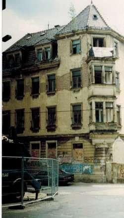 So sah das Haus noch in den frühen 90ern aus. Foto: Stadtteilarchiv