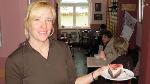 Leckere Kuchen gibt's im Hofcafé