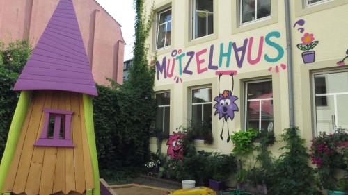 Mutzelhaus im Hinterhaus, Louisenstraße 54, Eröffnung am 17. August