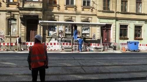 Haltestellen-Unterstand auf der Hoyerswerdaer Straße