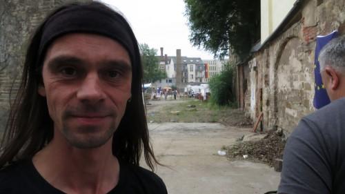 Türsteher Mirko begrüßte jeden Besucher des Lustgartens einzeln.