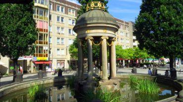 der Artesische Brunnen am Albertplatz