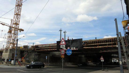 Brückenarbeiten über der Hansastraße