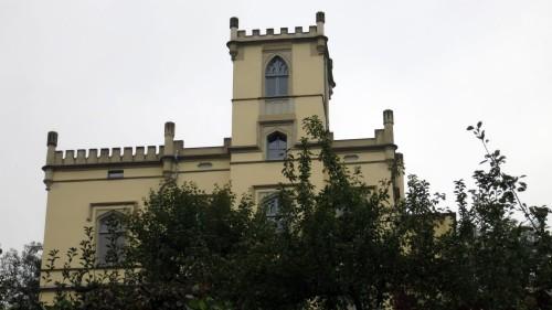In dem Schlösschen über der Prießnitz residiert die Dresdner Akademie für Psychotherapie.