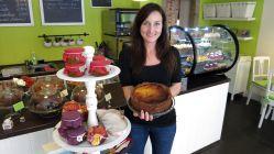 Maria mit Heidelbeer-Quark-Kuchen: Lecker!