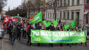 Auf der Königsstraße war der Zug auf etwa 600 Teilnehmer angewachsen.