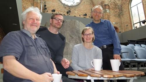 Theatercrew mit Intendant Jörg Berger (links)