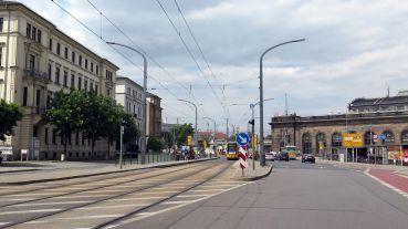Keine Straßenbahnen am Wochenende am Schlesischen Platz.