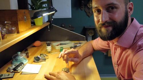 Je komplizierter, desto lieber. Das Handwerk hat Georg Jost in Glashütte gelernt.