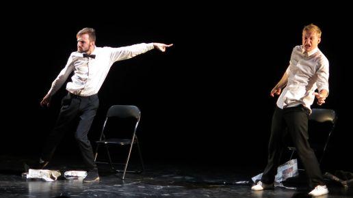 """Pantomime mit Pantomime mit """"Прекрасные цветы"""""""