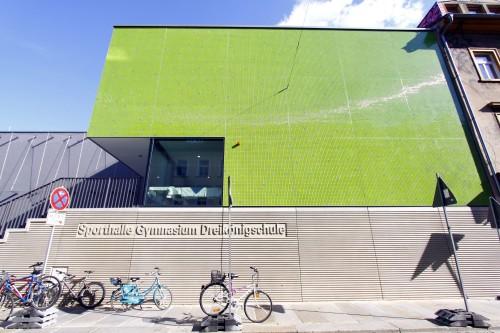 Die grüne Halle der Dreikönigschule an der Alaunstraße - Foto: Youssef Safwan