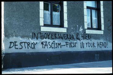 Graffiti an Neustädter Hauswand 1991. Foto: Archiv/Lothar Lange