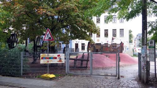 Ein Bauschild kündet von den geplanten Arbeiten.