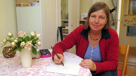 Juliane Hackbeil zeichnet seit 18 Jahren den Neustadt-Adventskalender