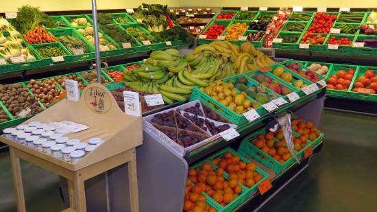 """Gemüse im Kühlhaus. """"Wenn es nötig ist, putzen wir es heraus"""", erklärt René Bradatsch."""