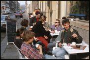 Beliebter Frühstückstreff - die Eisgrotte auf der Görlitzer Straße - Foto: Lothar Lange