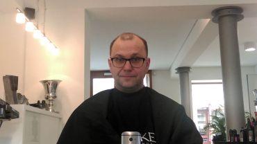 Beim Friseur.