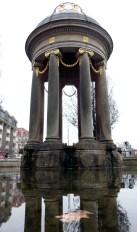 Artesischer Brunnen am Albertplatz März 2012