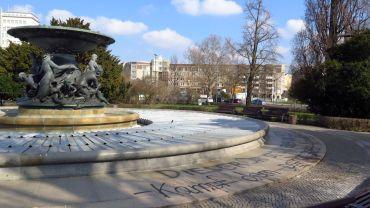 Spruch am Brunnen
