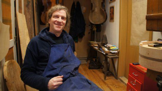 Christoph Eulenhaupt in seiner Werkstatt, in der er seit 2008 arbeitet