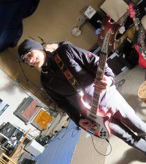 Chris am Bass