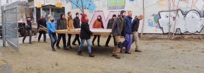 """Ende Februar war """"hechtgruen"""" umgezogen. Video-Still: Esther Lapczyna"""